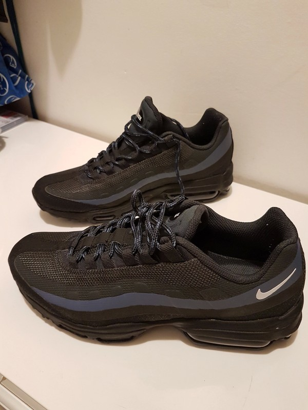 FA7600896 Taille 41 France Femmes Hommes Nike Air Max 95
